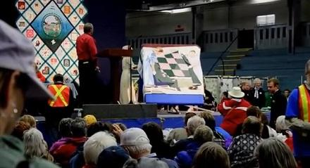 2013 feature quilt on auction